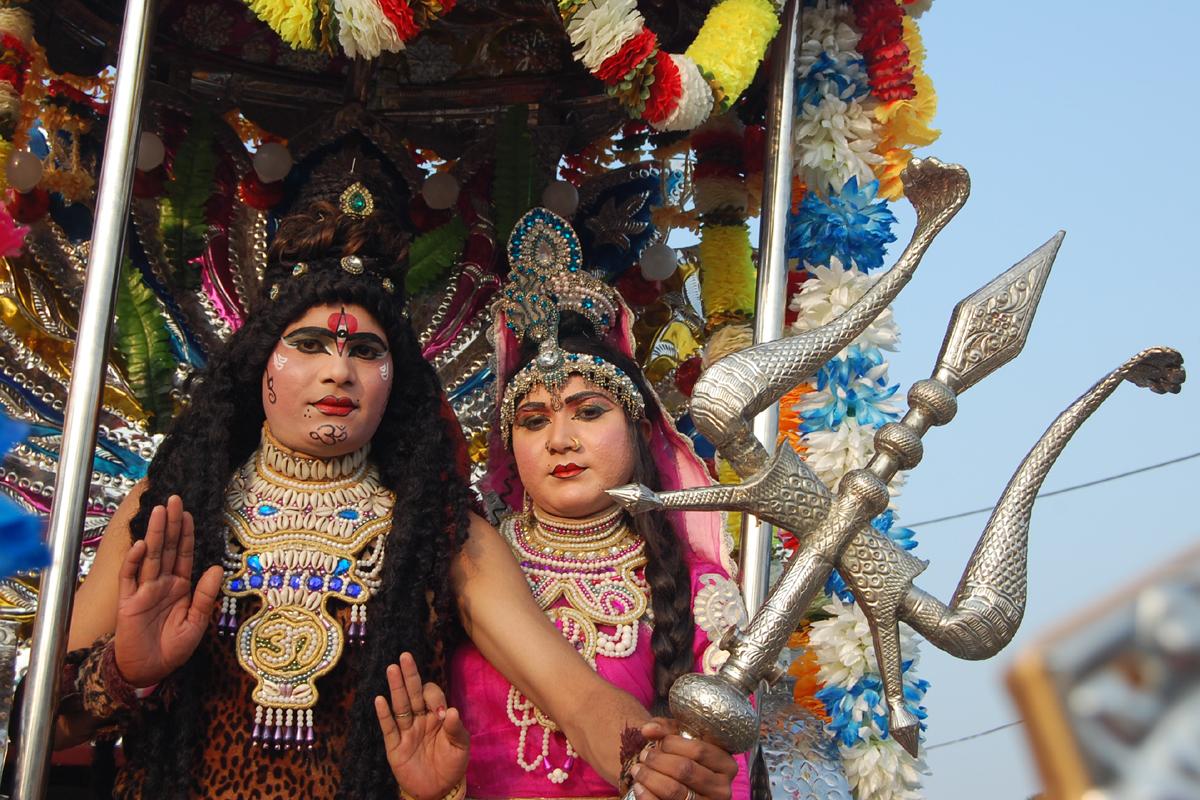 बिलासपुर के त्रयबंकेश्वर मंदिर ने निकली विशाल शोभा यात्रा