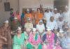रादौर में आप पार्टी की बैठक में भाग लेते आप पार्टी के कार्यकर्ता।