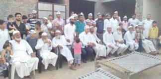 रादौर में आयोजित आम आदमी पार्टी की बैठक में भाग लेते कार्यकर्ता।
