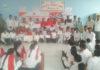 गांव अंटावा में आयोजित स्वच्छता अभियान की प्रतियोगिता में भाग लेते स्कूली बच्चे।