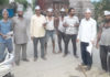 गांव दामला में पार्टी के लिए प्रचार करते आम आदमी पार्टी के कार्यकर्ता।