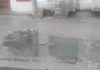 शहर के कॉलेज रोड पर सीवरेज से बहता गंदा पानी।