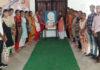 लाईक पब्लिक स्कूल रादौर में शहीद उधमसिंह को श्रंद्धाजलि भेंट करते बच्चे व स्टाफ सदस्य।