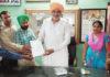 रादौर में गेस्ट टीचर विधायक श्यामसिंह राणा का ज्ञापन सौंपते हुए।