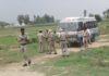 गांव खजूरी में पंचायती भुमि को खाली करवाने पहुंचा पुलिस बल।