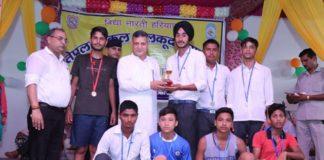 कार्यक्रम के दौरान खिलाडिय़ों को विधायक बलवंत सिंह ने सम्बोधित किया